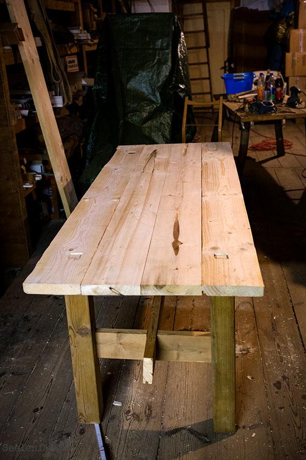 Der neue Tisch *jubelhochdrei*